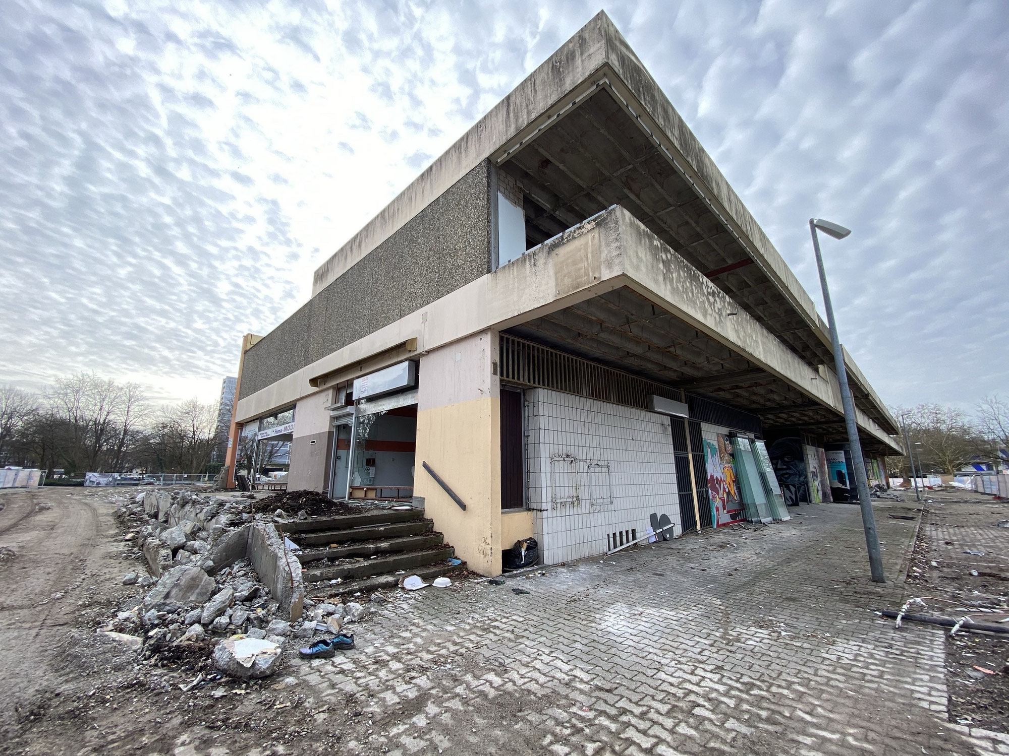 Eindrücke vom Abriss des Einkaufszentrum Freiburg Landwasser