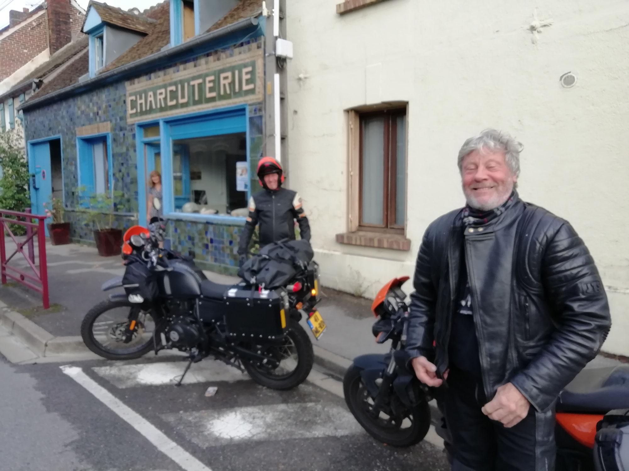 Grosses motos à la Charcuterie Greber