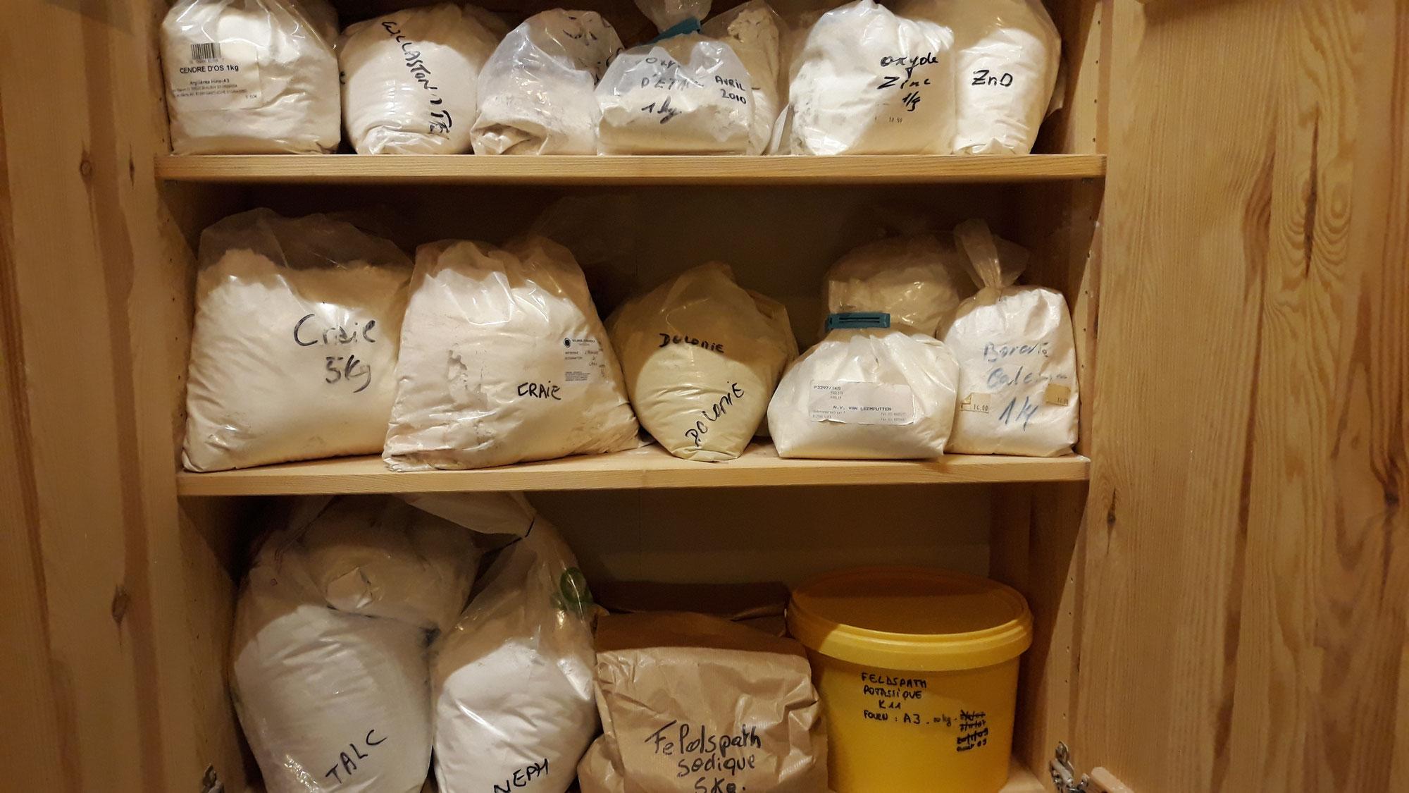 Atelier céramique : matières premières (2)