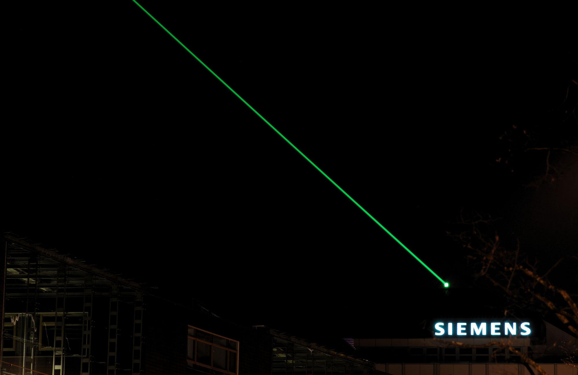 Der Laser leuchtet