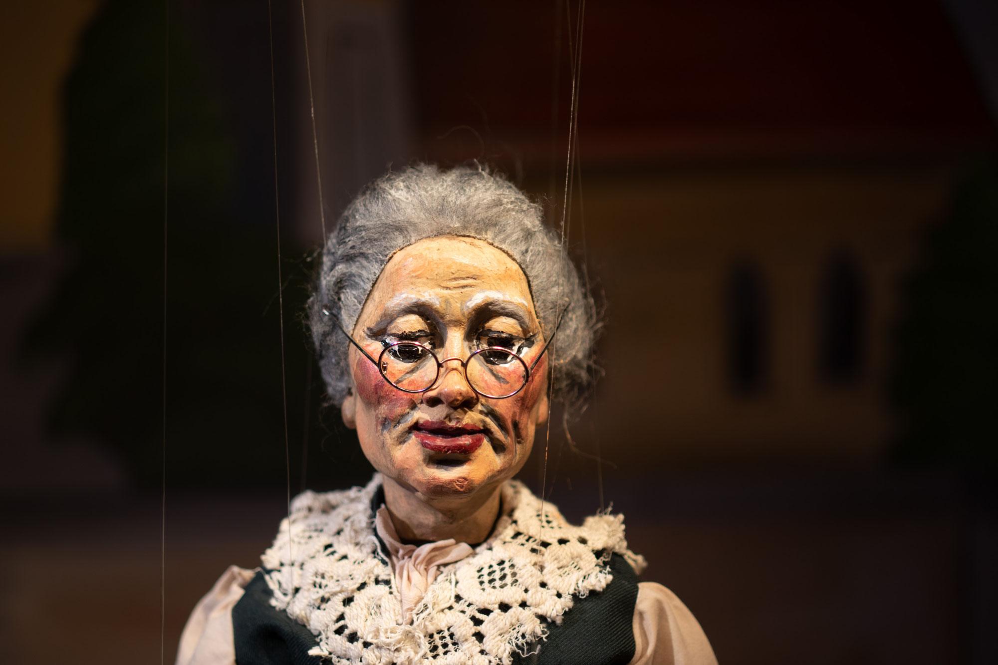 Marionettenstück nähert sich seinem Abschluß