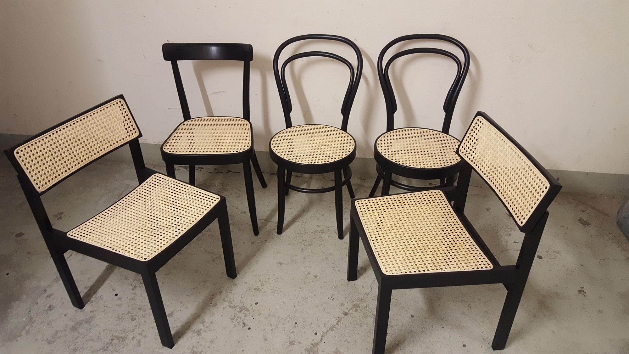 Schwarze Stühle aufgefrischt