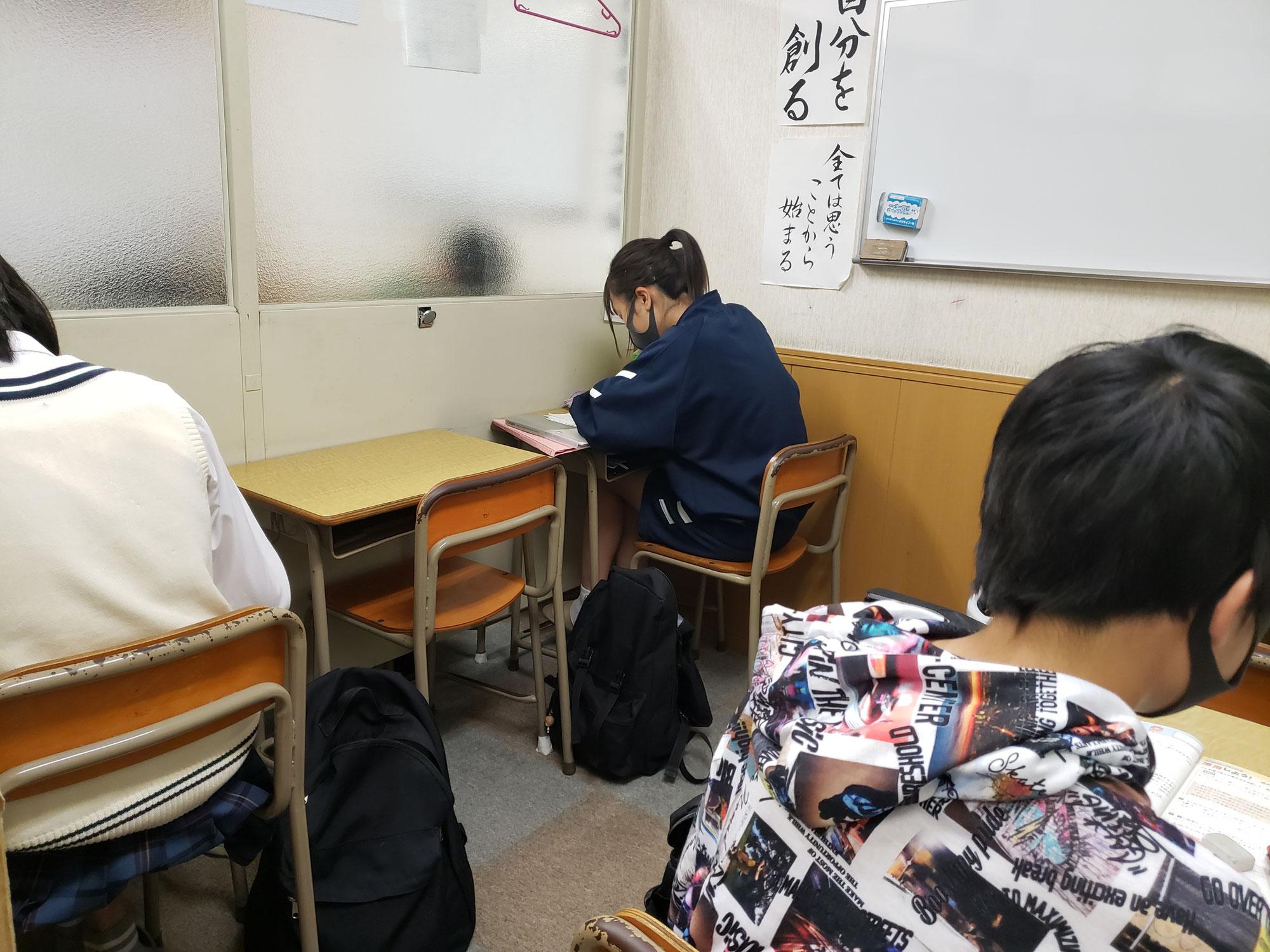 高校生の子達の定期テストが終わり、次は中学生の子達の定期テストです。みんな頑張ってね(ノ^^)ノ