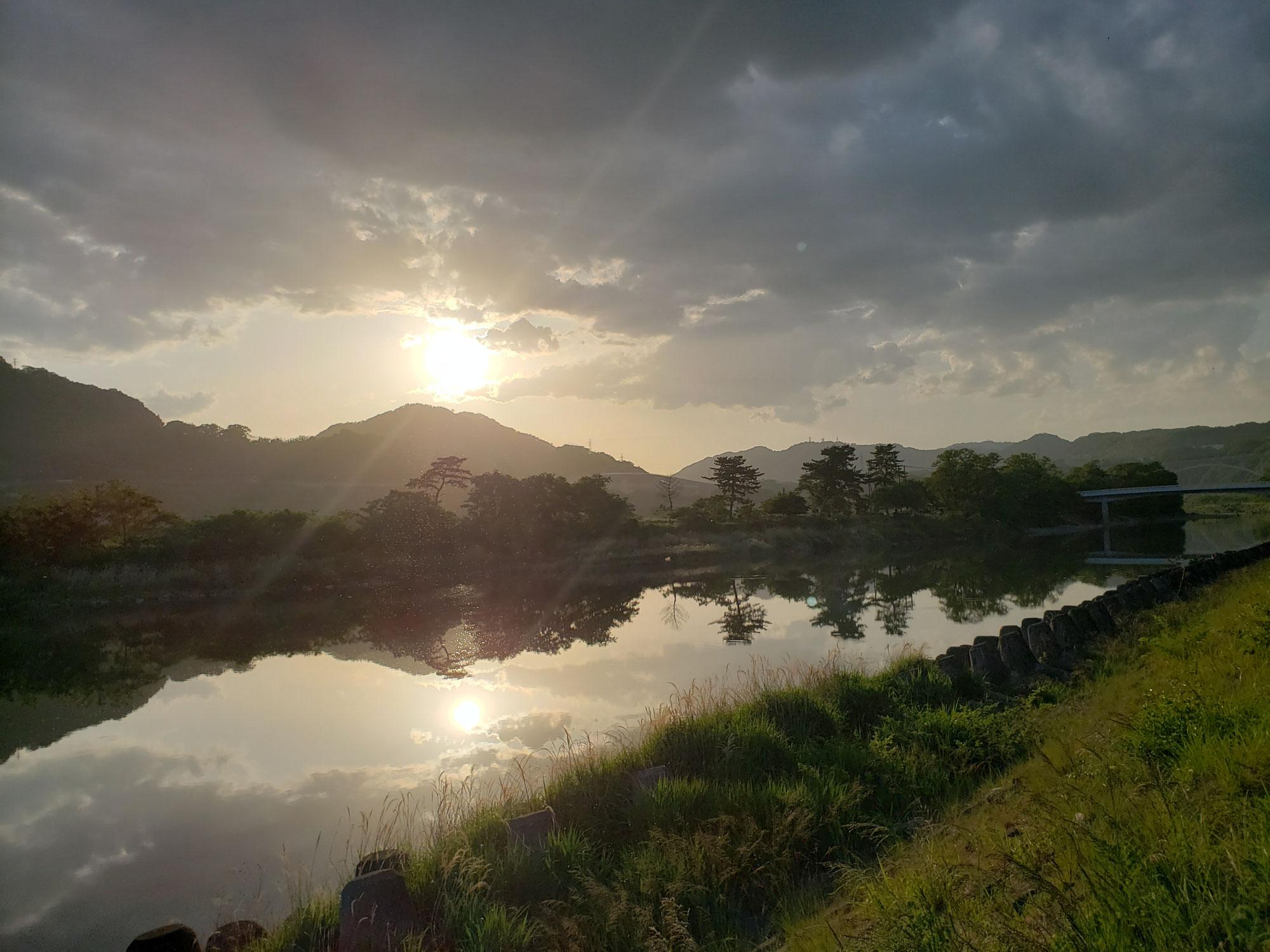相模川の上大島付近です。時間が止まったようにとても落ち着ける場所ですよ