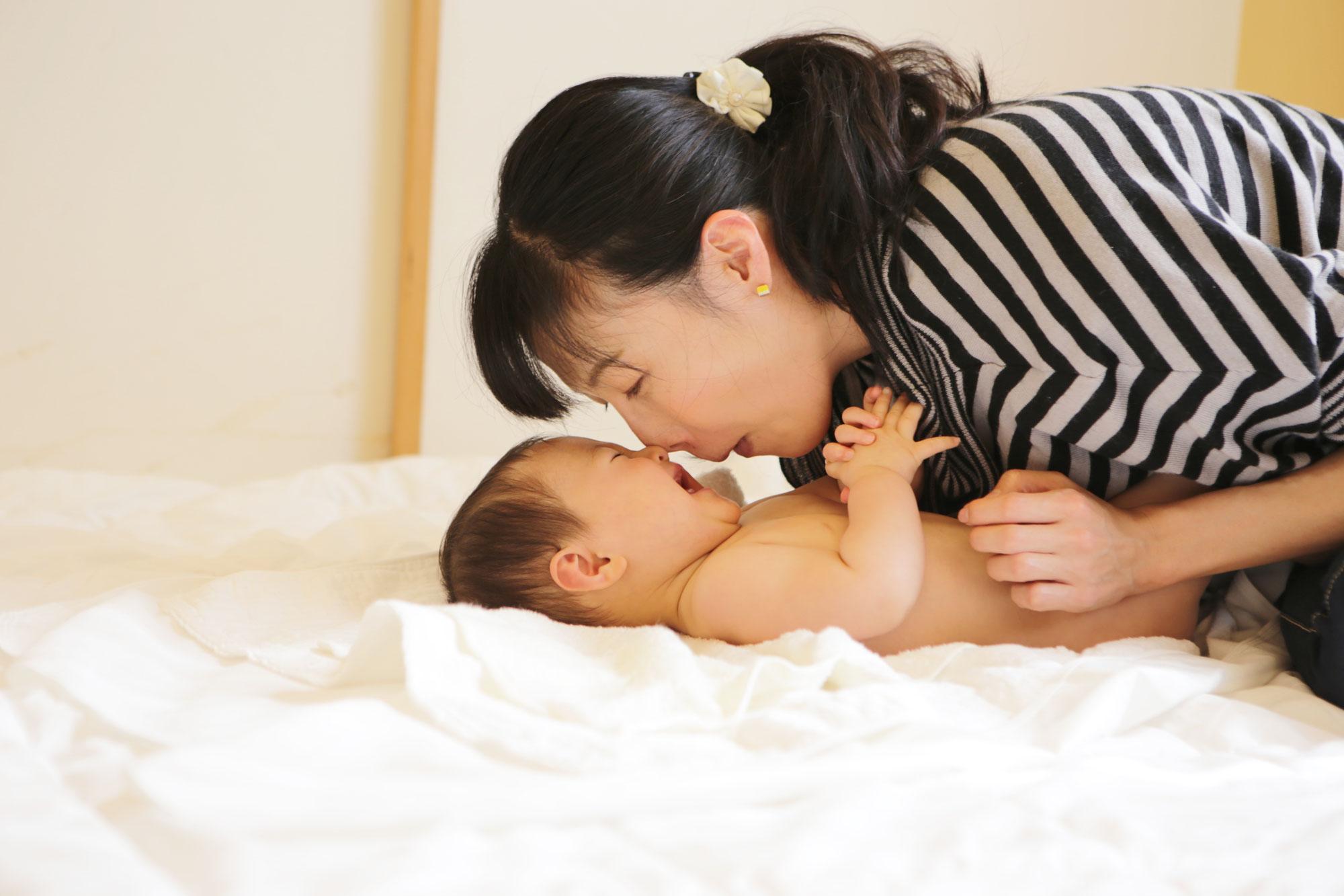 「生後2か月未満のわが子とベビーマッサージ希望!」の声にはこう答えます。