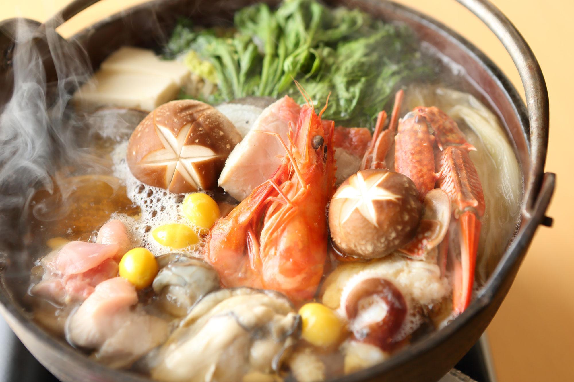 今年も一人鍋が人気 きのう何食べた?  のなんちゃってコラボ 手羽先の水炊きを新商品