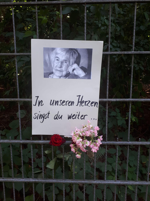Hamburg: Trauerrede von Rolf Becker für Esther Bejarano
