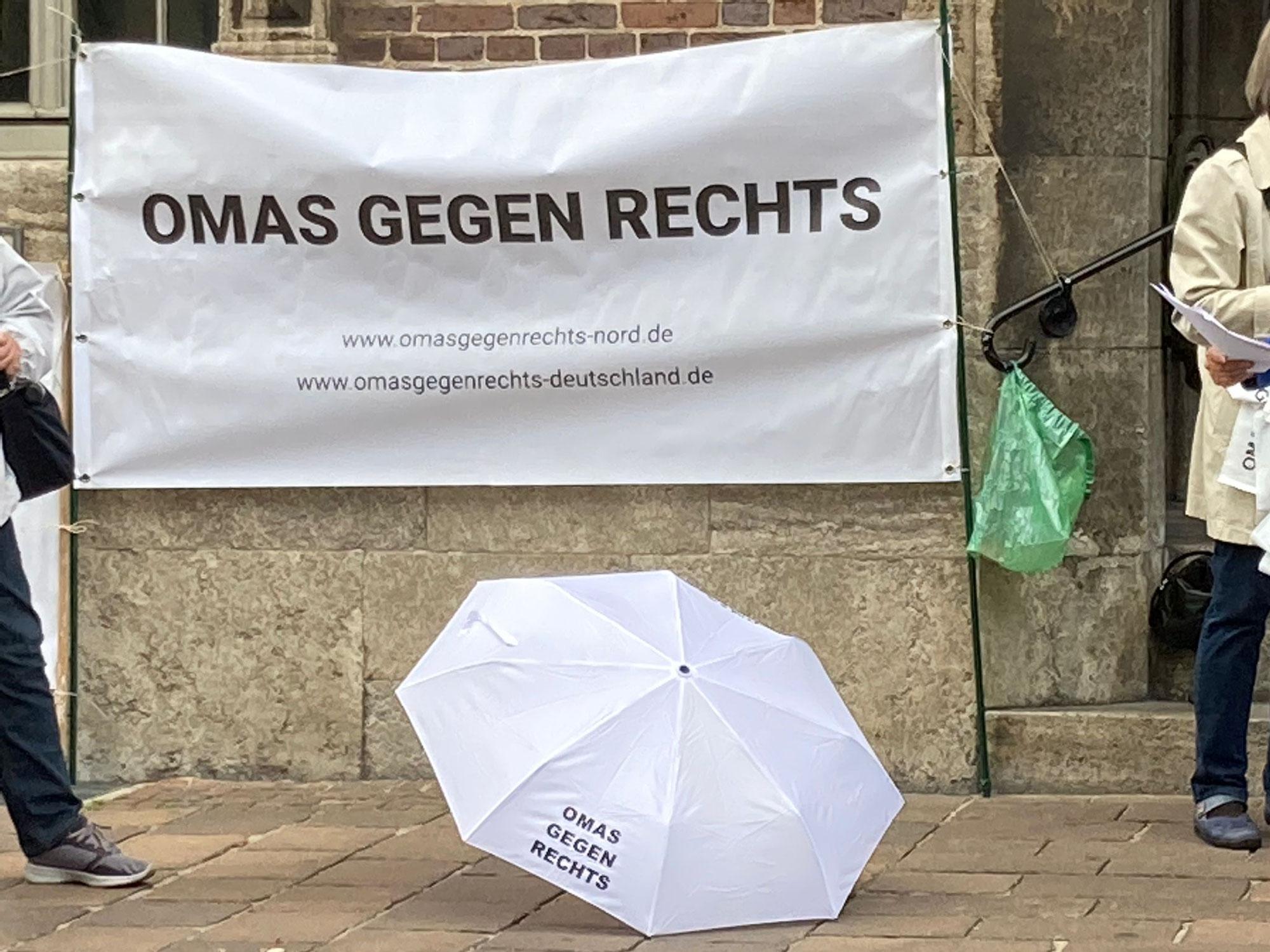 Bremen: Mahnwache Bremer Rathaus