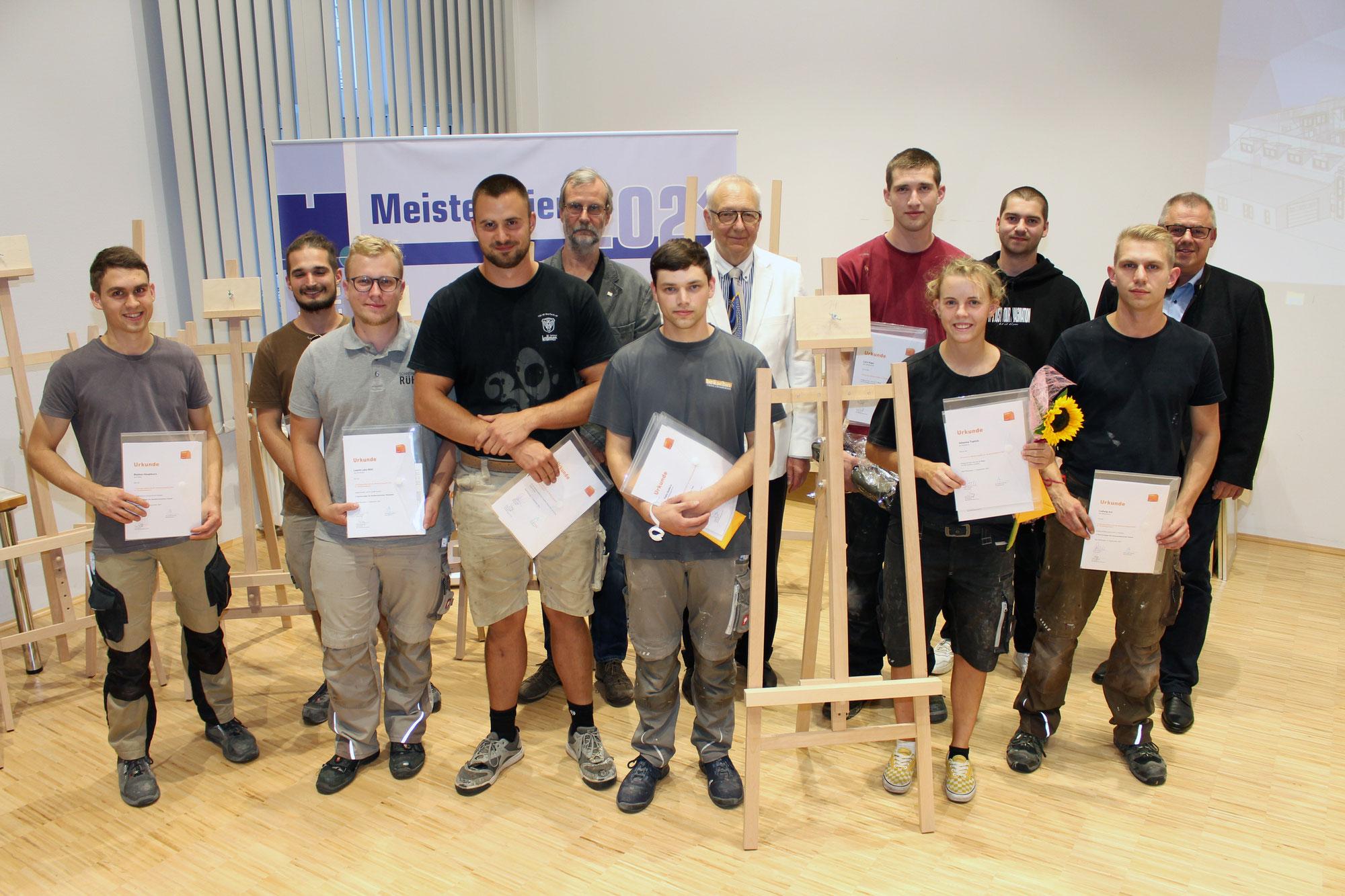 Topleistungen bei den Hessischen Meisterschaften im Tischlerhandwerk an der Bad Wildunger Holzfachschule
