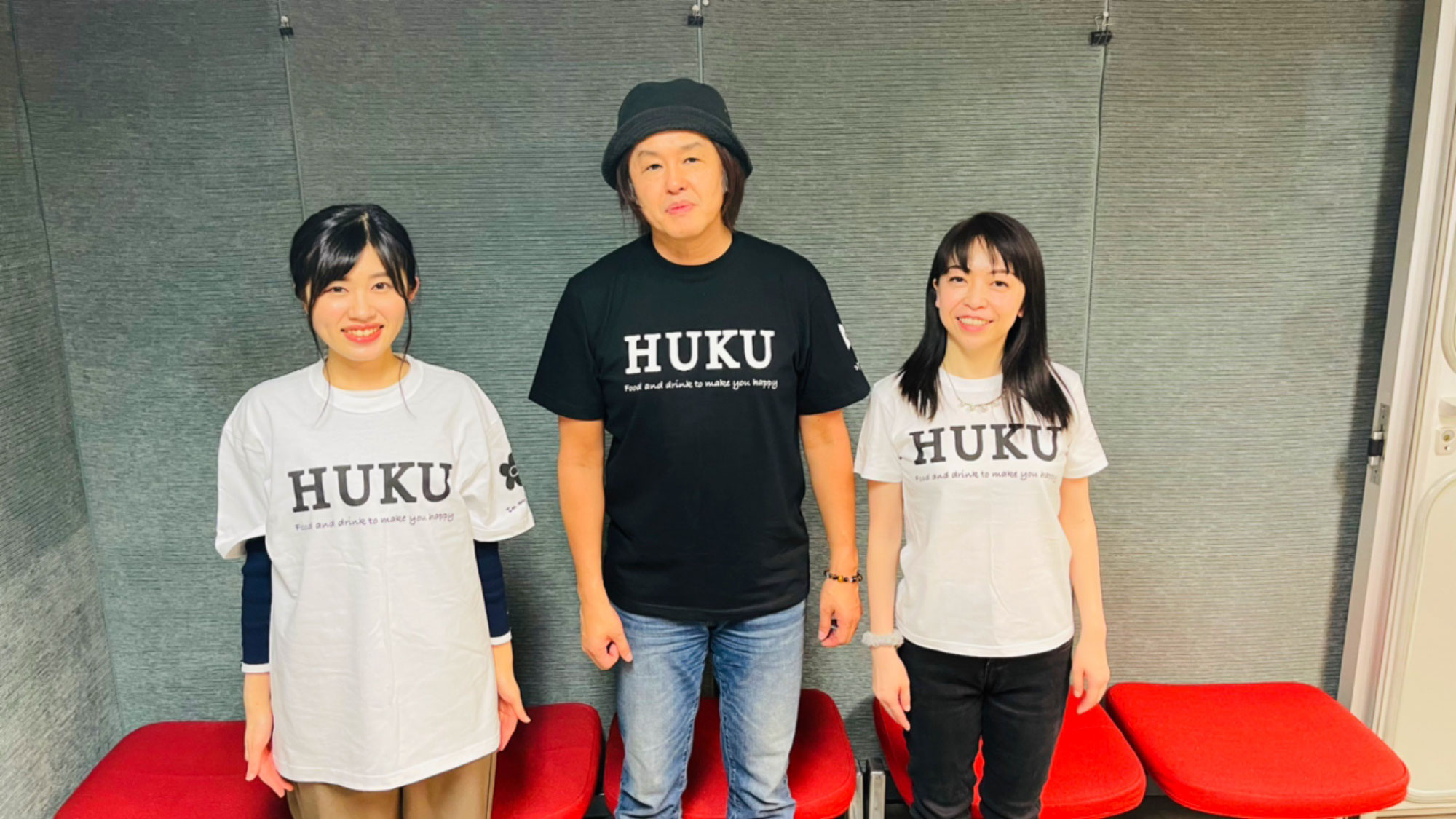 In my STUDIO×Momo's Izakaya福 Tシャツ