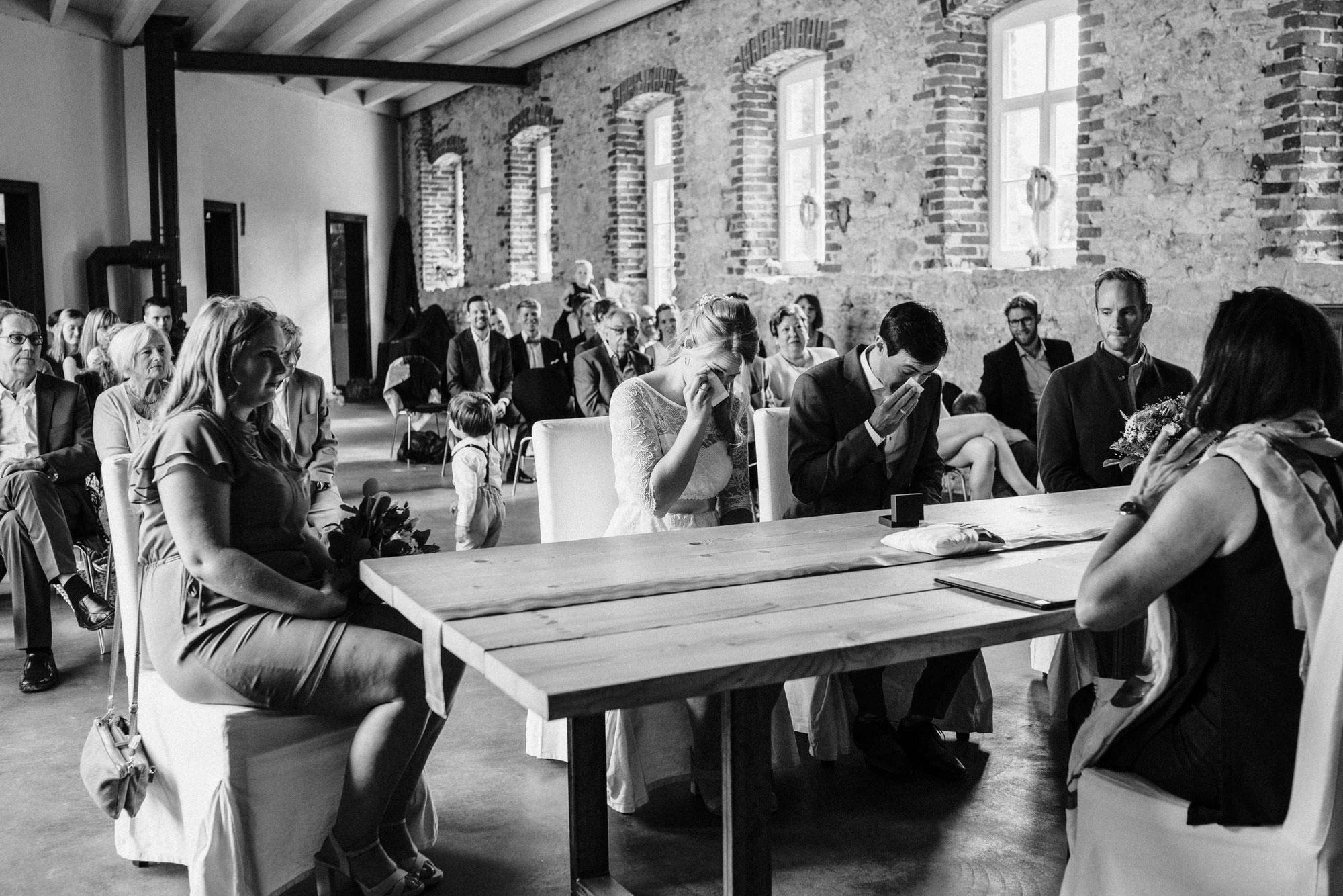 Standesamtliche Hochzeit auf Gut Barkhausen - Eva & Ricard