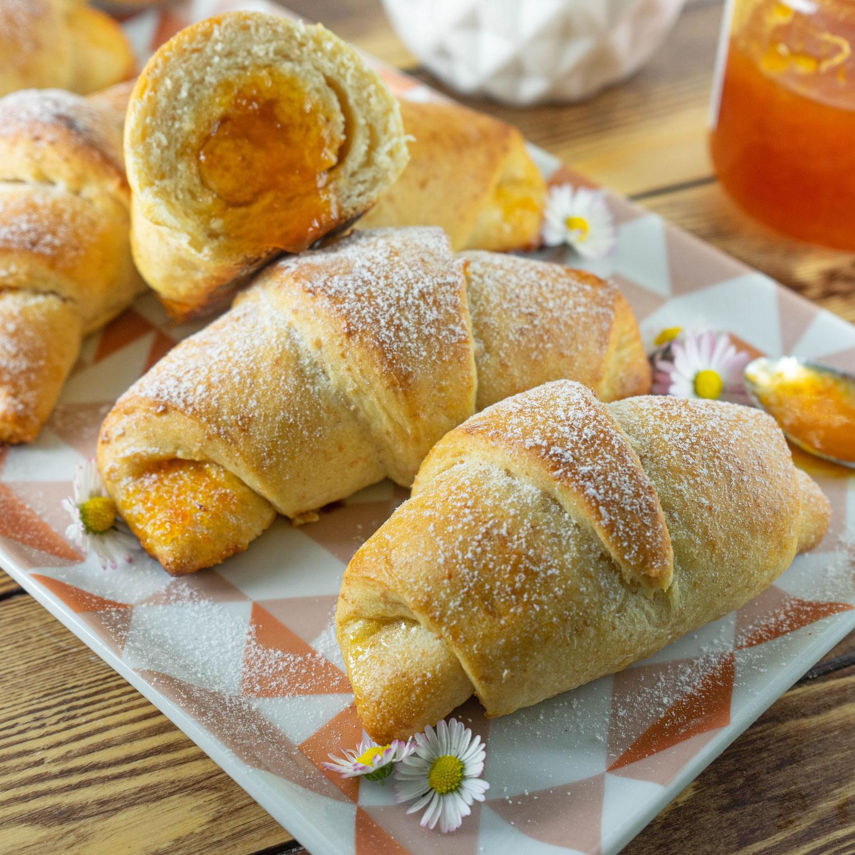 Brioches mit Marmelade