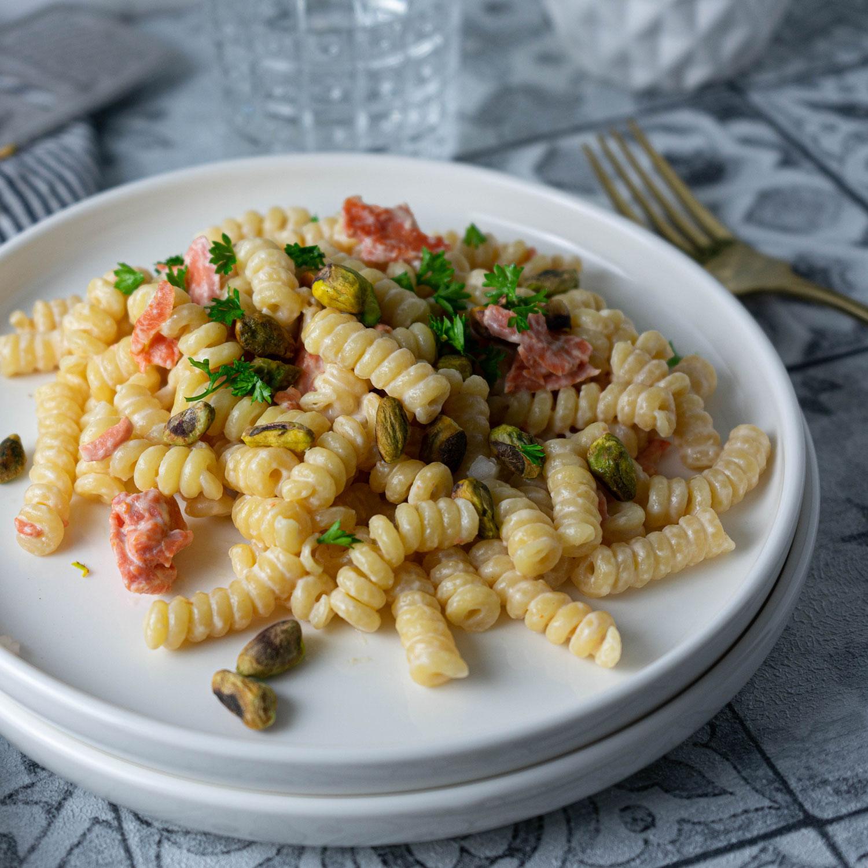 Lachs Pasta mit Pistazien