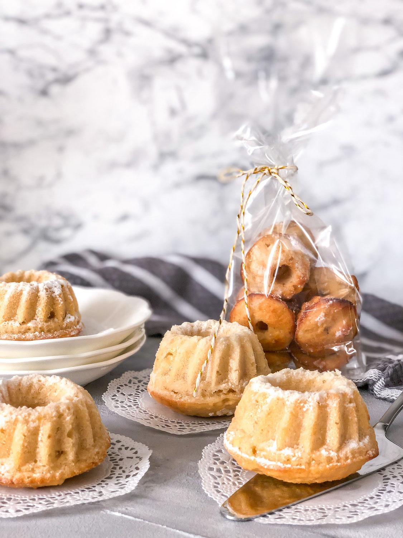 Mini - Gugelhupf: kleiner Mandel - Apfelkuchen mit orientalischen Gewürzen