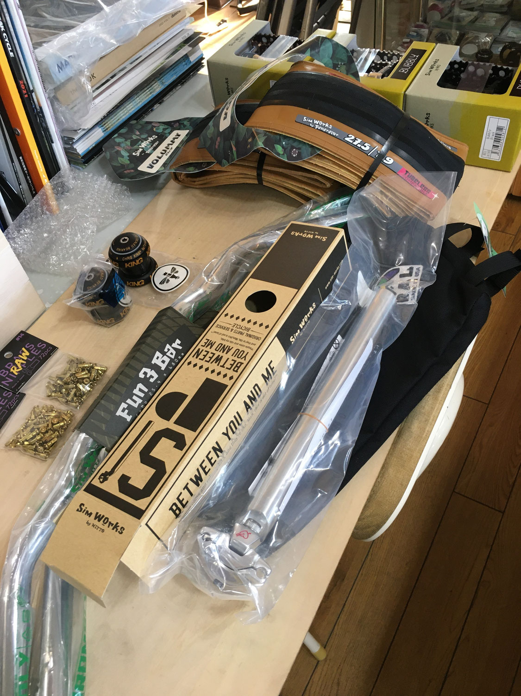 CWDからバックオーダーになっていた商品が入荷してきました。