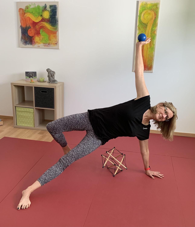 Workshop und Kurzkurs - Faszie meets Yoga, Moderne trifft Tradition