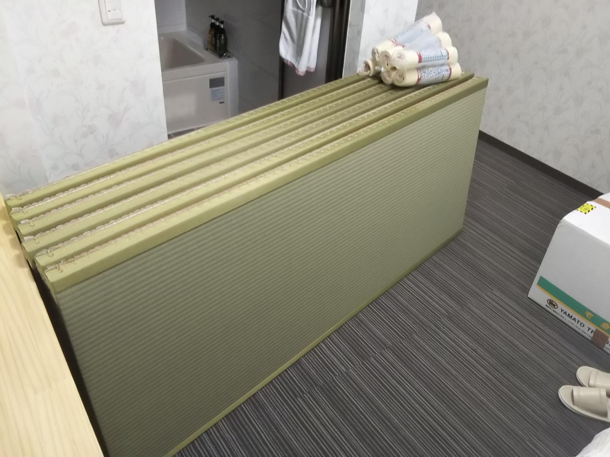 カーペット敷きの洋間に畳を敷き込みました!
