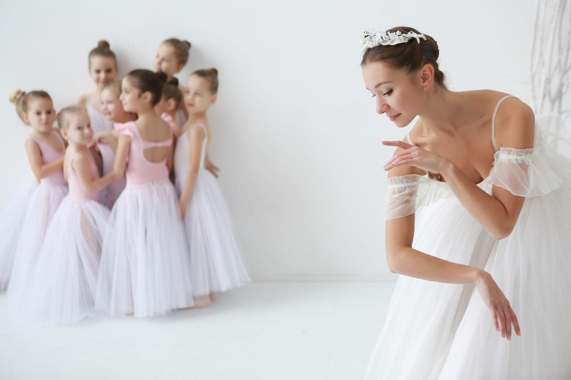 обшивку поздравления хореографическому училищу ноябре