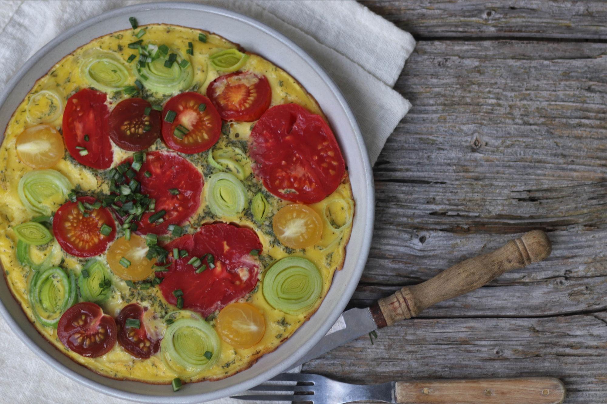 Omlette mit Tomaten und Porree