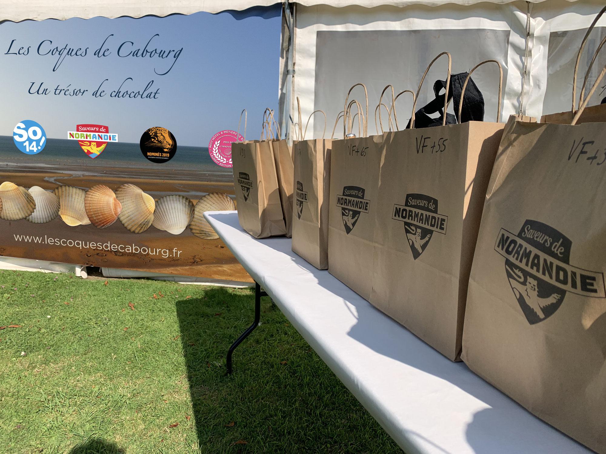 Les Coques de Cabourg soutiennent le tennis à Cabourg