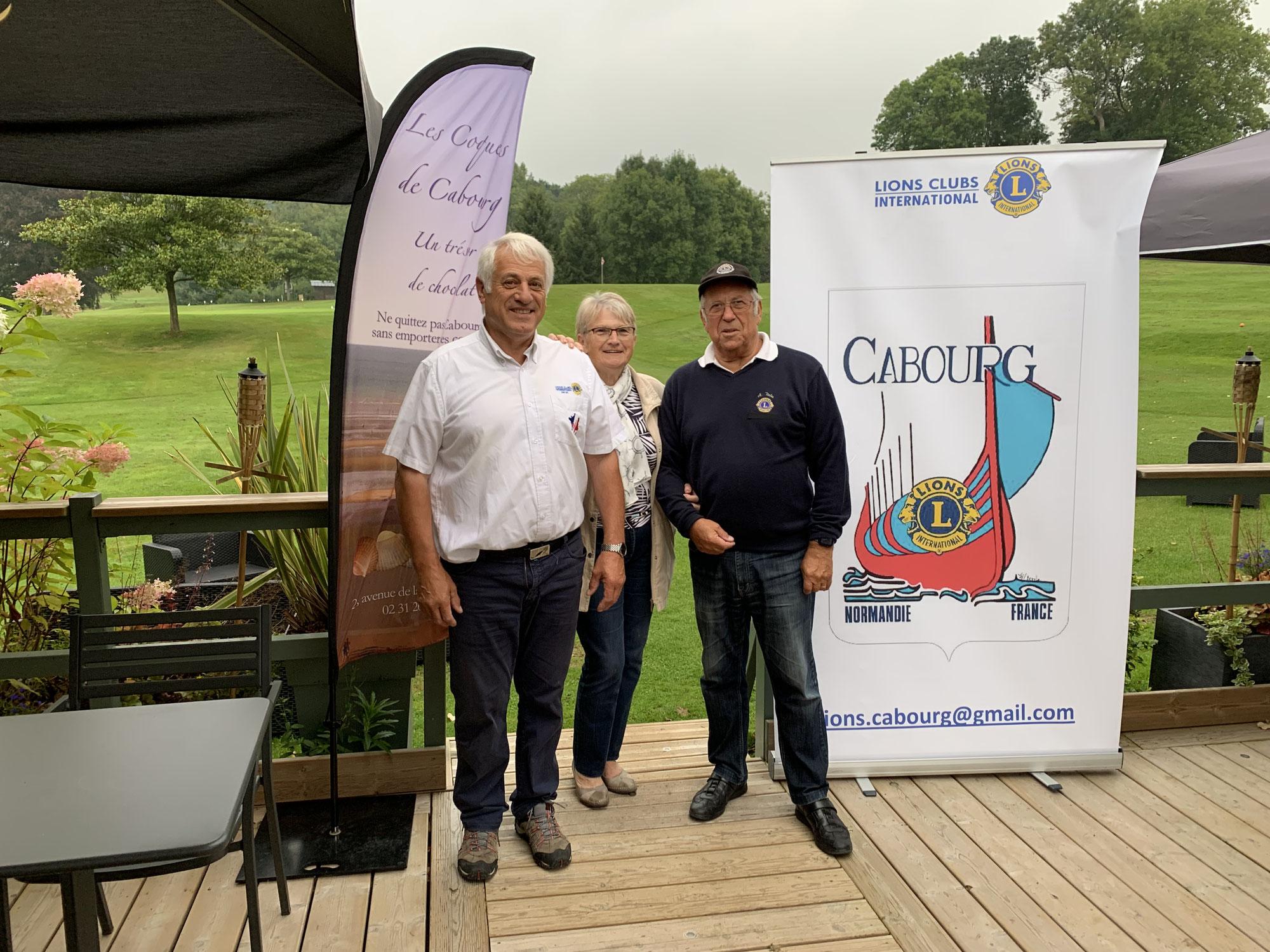 Les Coques de Cabourg soutiennent le golf à Houlgate