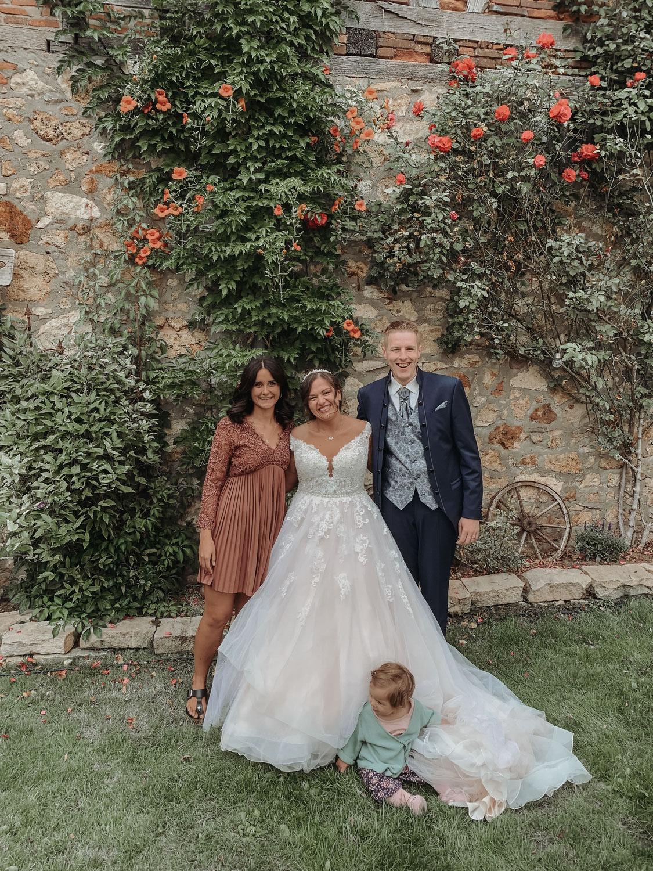 Blumige Hochzeit in der Hofreite am Schloss in Hochheim