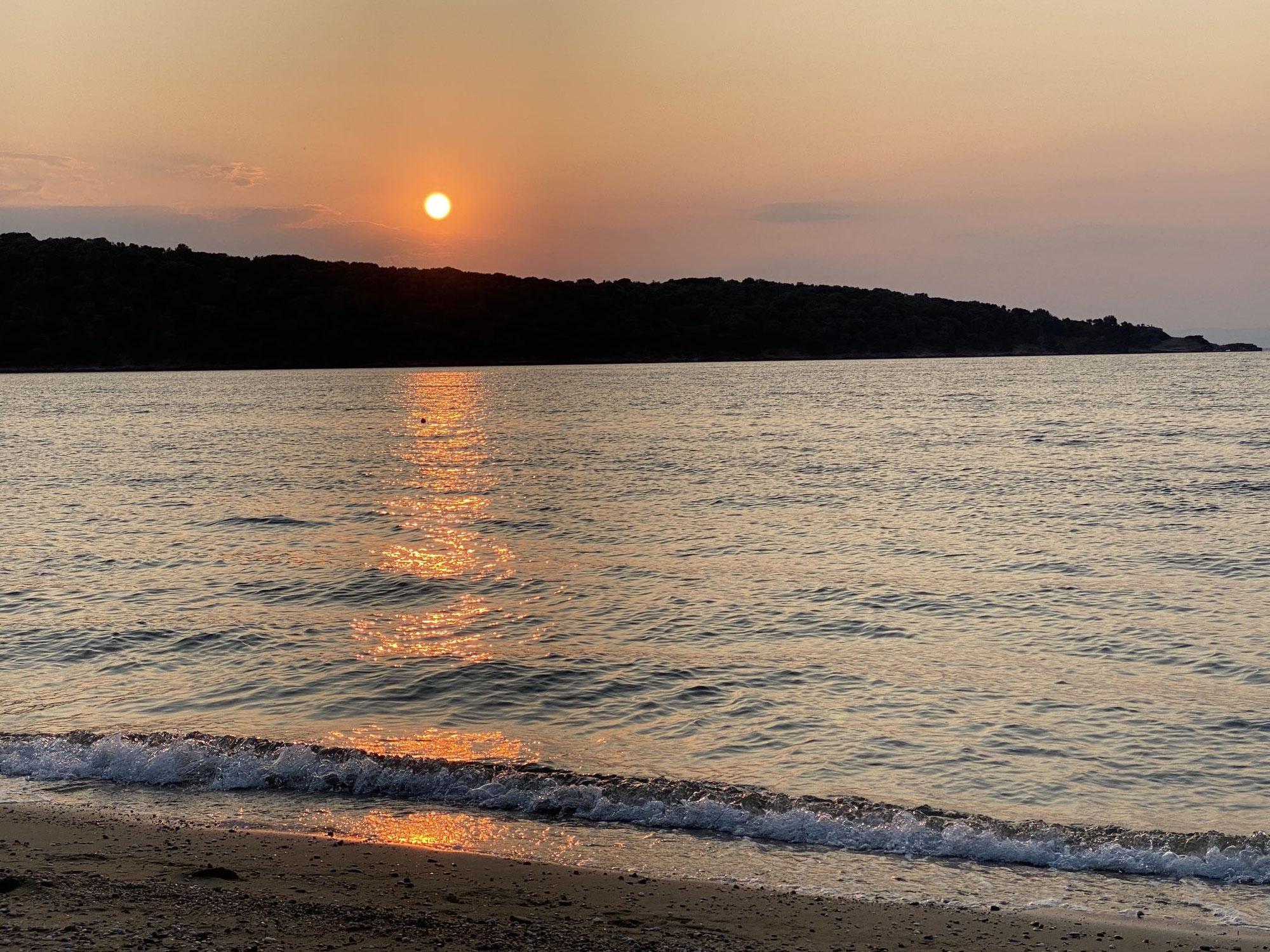 Schön: Sonnenuntergang am Pilion