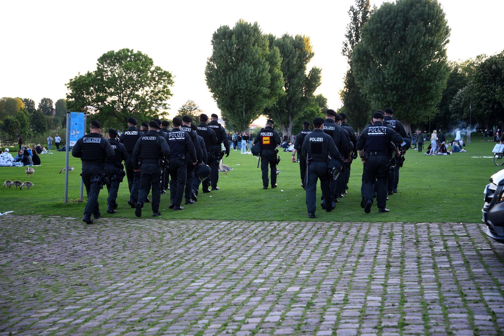 Neckarwiese: Durchsetzung des Aufenthaltsverbots wenn es Situation erfordert