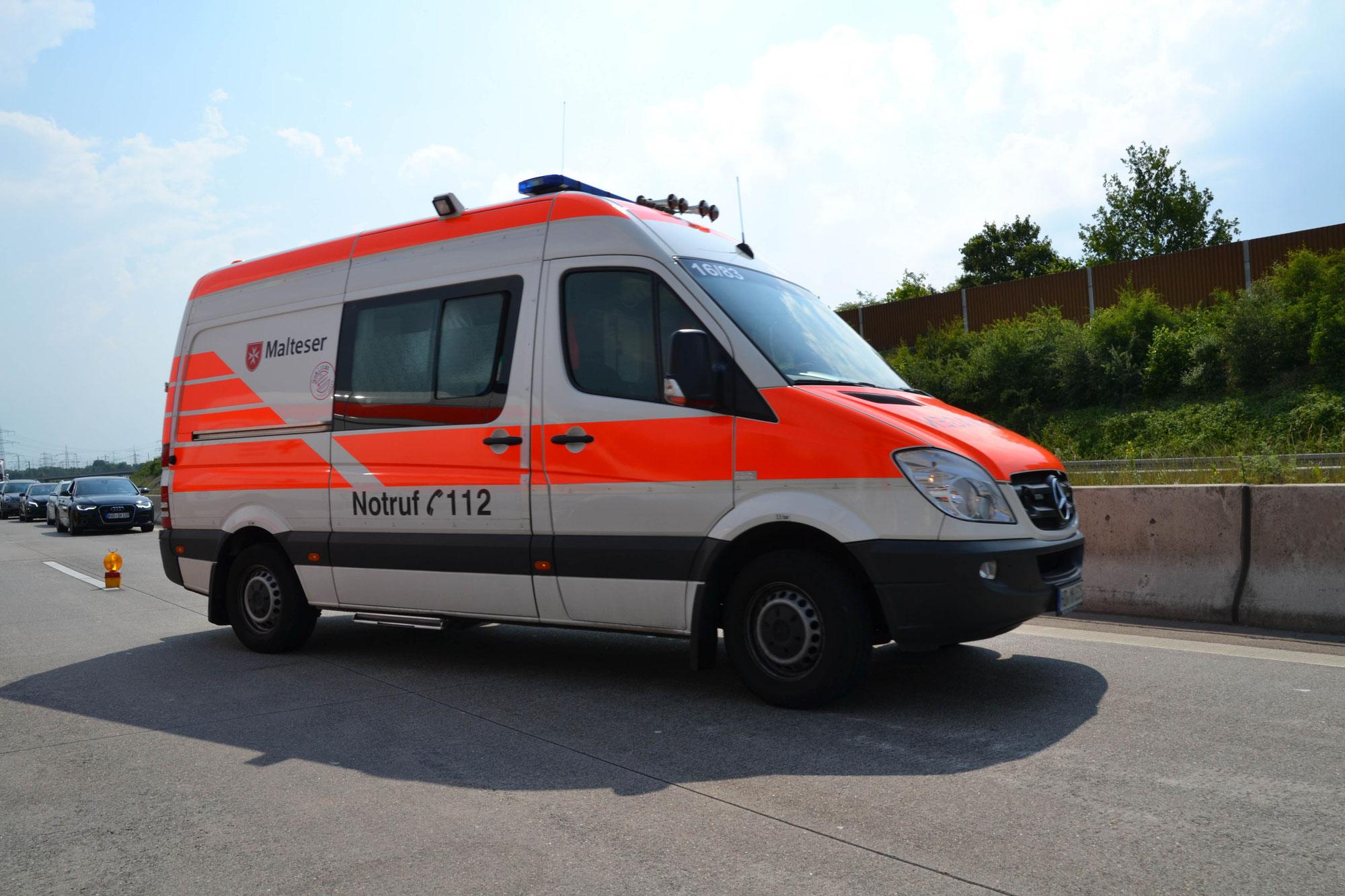 St. Leon-Rot/BAB 5: Auffahrunfall mit vier beteiligten Fahrzeugen - Zwei Verletzte und erheblicher Sachschaden