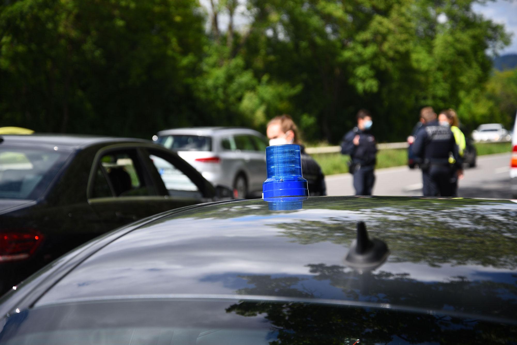 Heidelberg-Bergheim/Neuenheim: 20-jähriger Mercedes-Fahrer entzieht sich Polizeikontrolle und flüchtet - Polizei sucht Zeugen