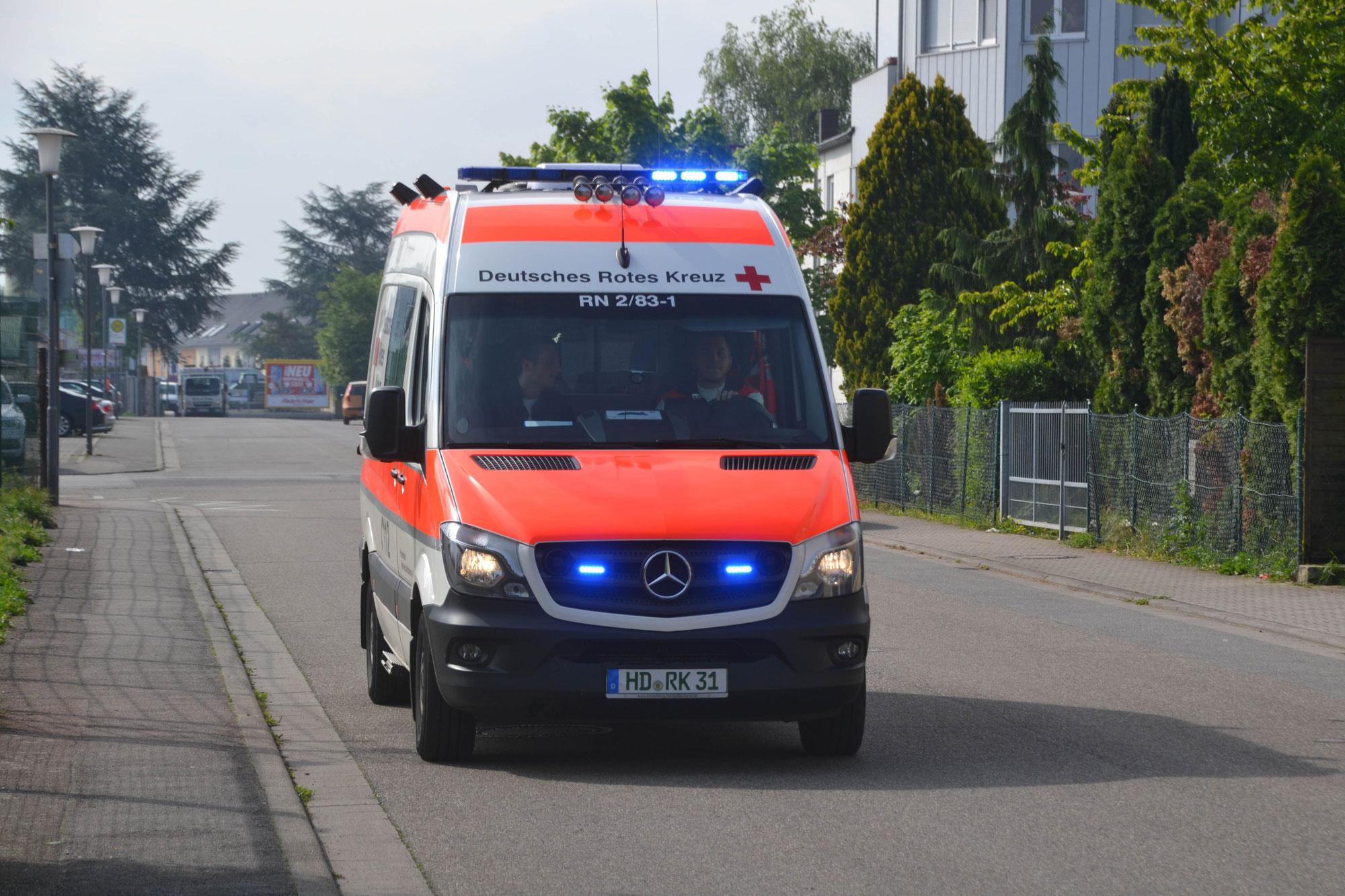 Heidelberg: Stein auf Rettungswagen geworfen
