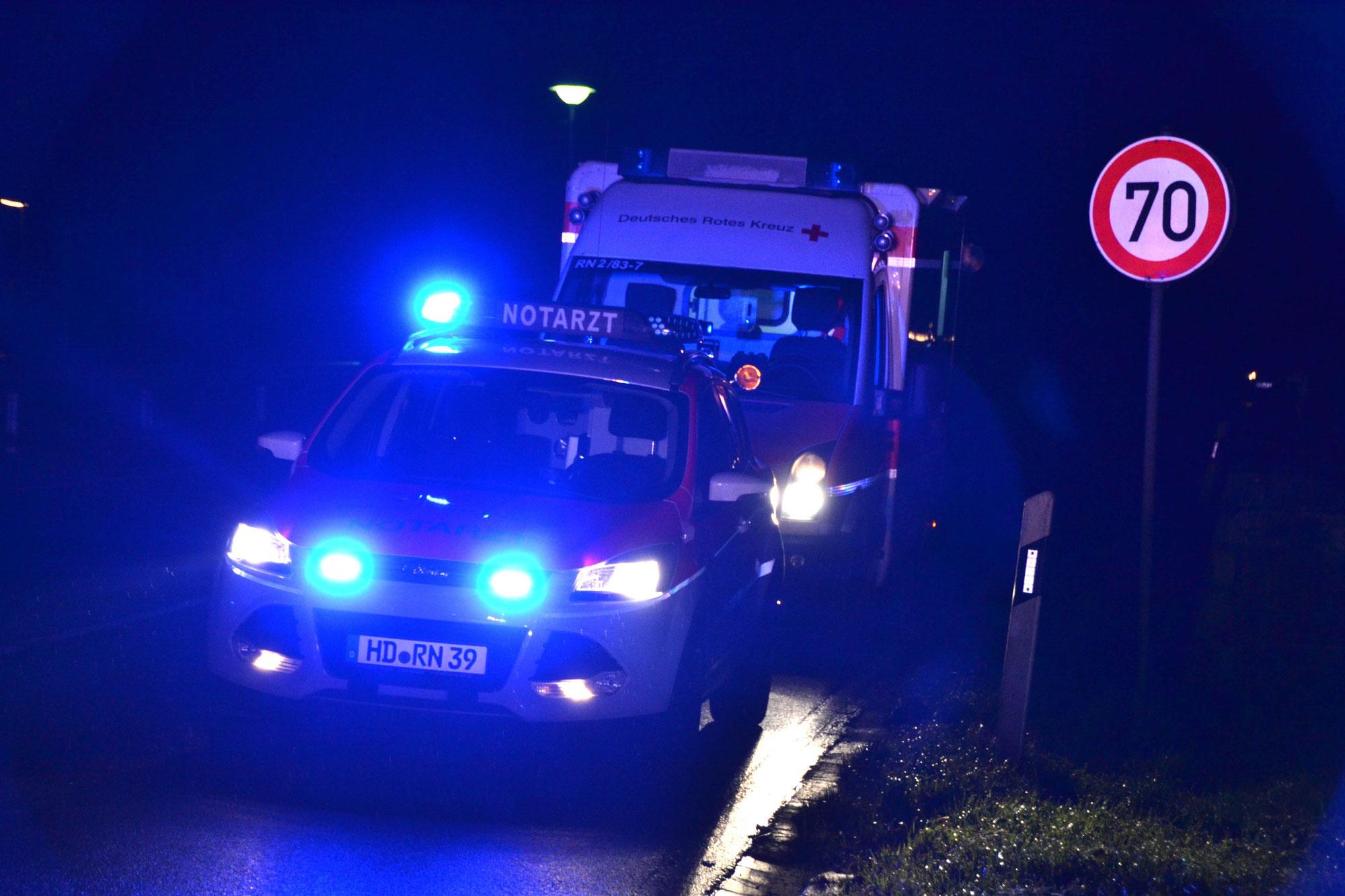 Sulzfeld, B 293: Zwei Schwerverletzte bei Frontalzusammenstoß - Polizei sucht beteiligten Lastwagen