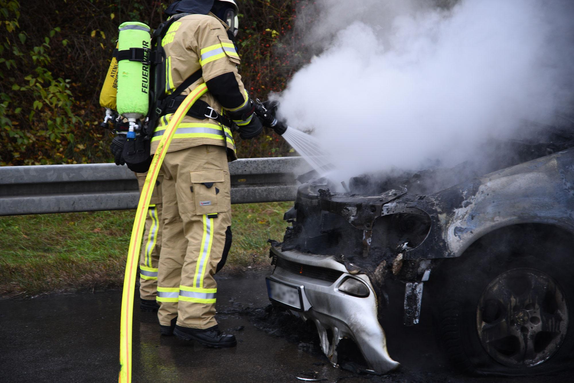 Bad Dürkheim: Drei Tote in ausgebranntem Auto gefunden