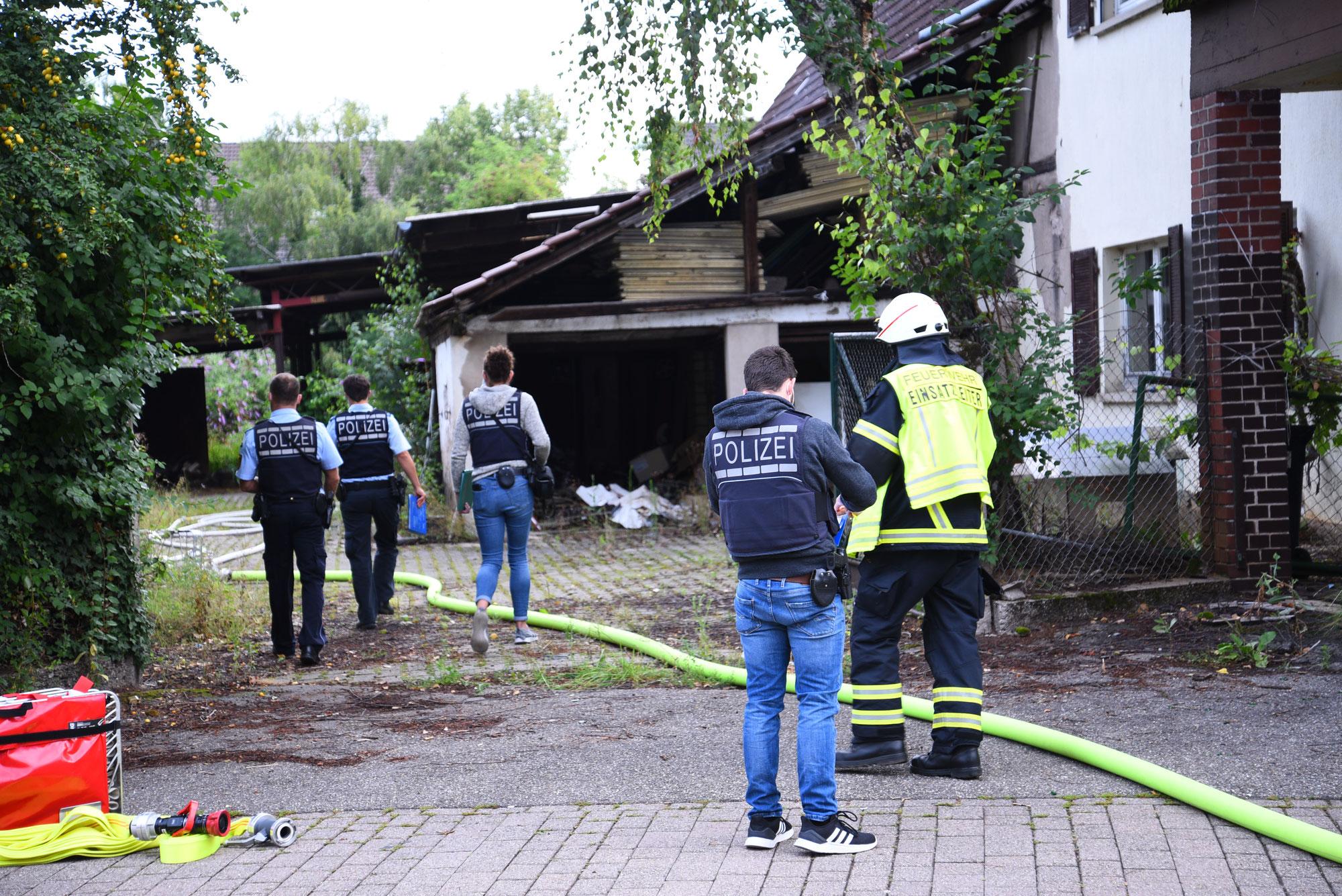 Brand eines landwirtschaftlichen Gebäudes - Ursache unklar -  Kripo ermittelt - Zeugen gesucht