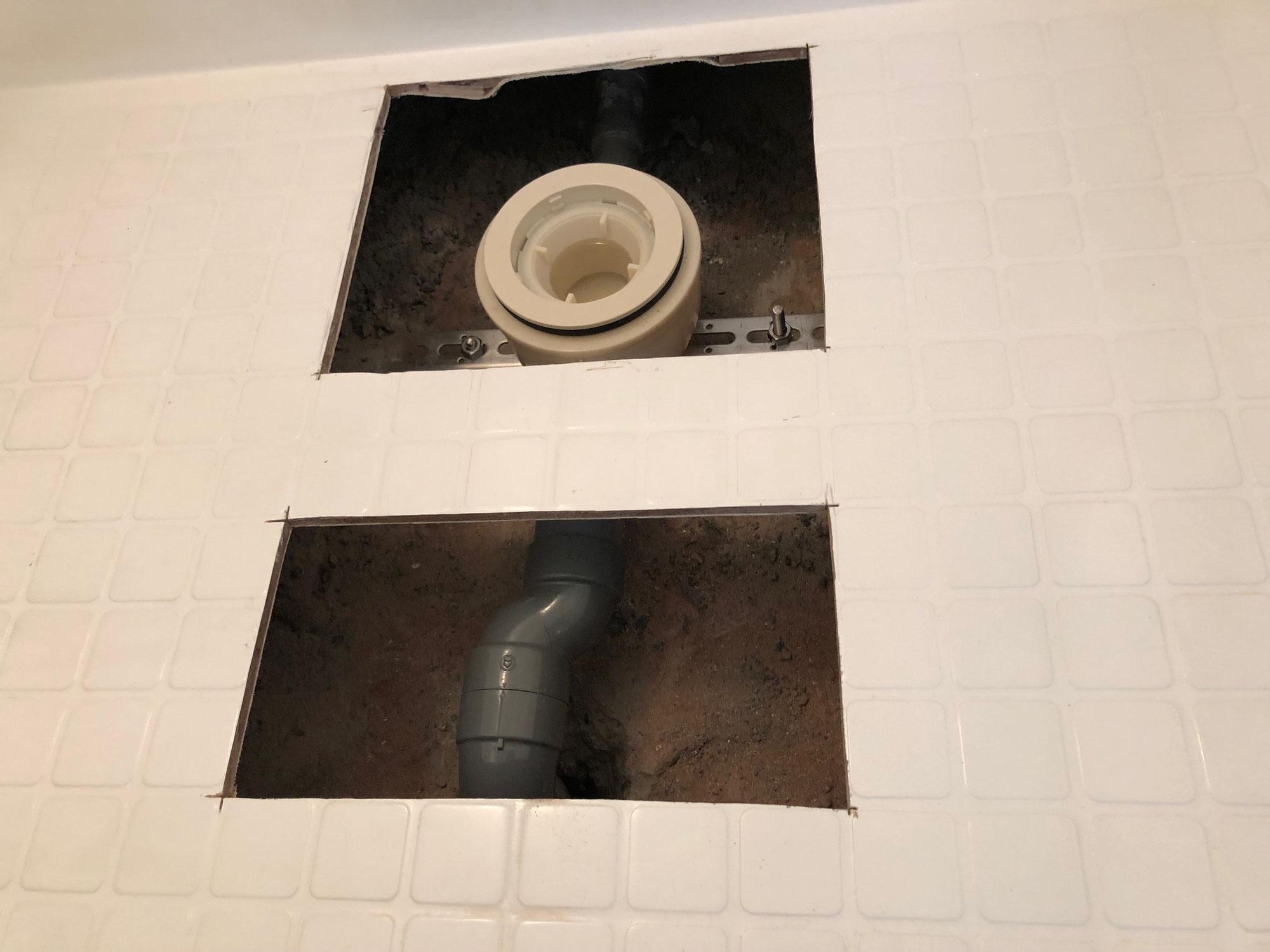 賃貸マンションユニットバス排水トラップ廻り、洗い場再生工事 愛媛県松山市美沢町