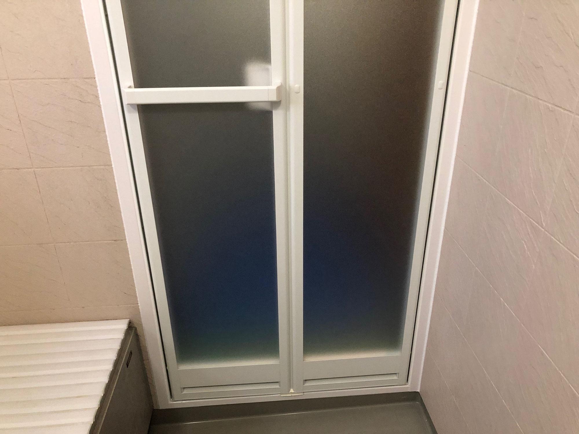 一般住宅ユニットバスドア交換(四方アタッチメント工法) 香川県丸亀市飯野