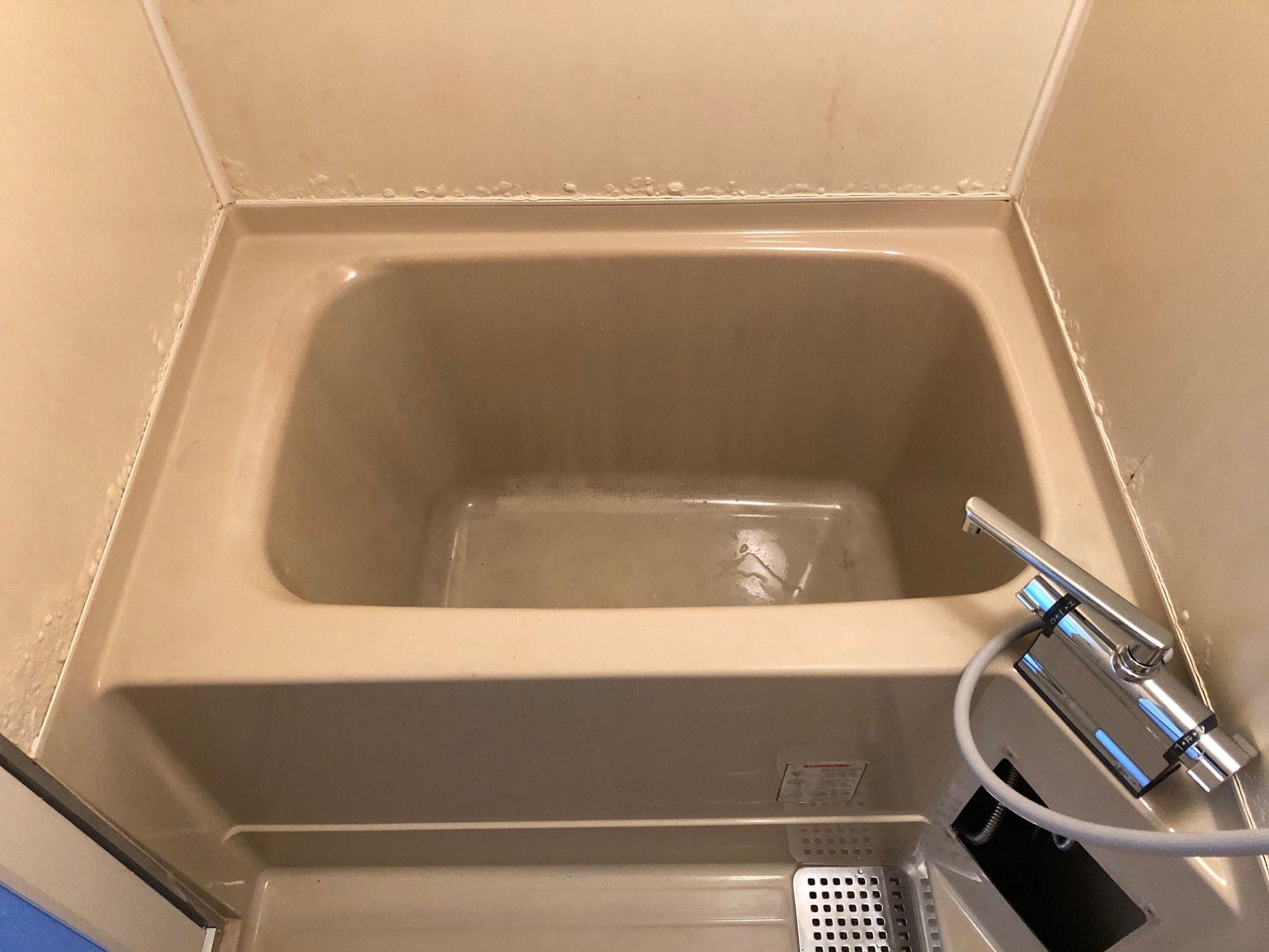 賃貸アパートユニットバス巾木錆修理、浴槽塗装  愛媛県大洲市田口