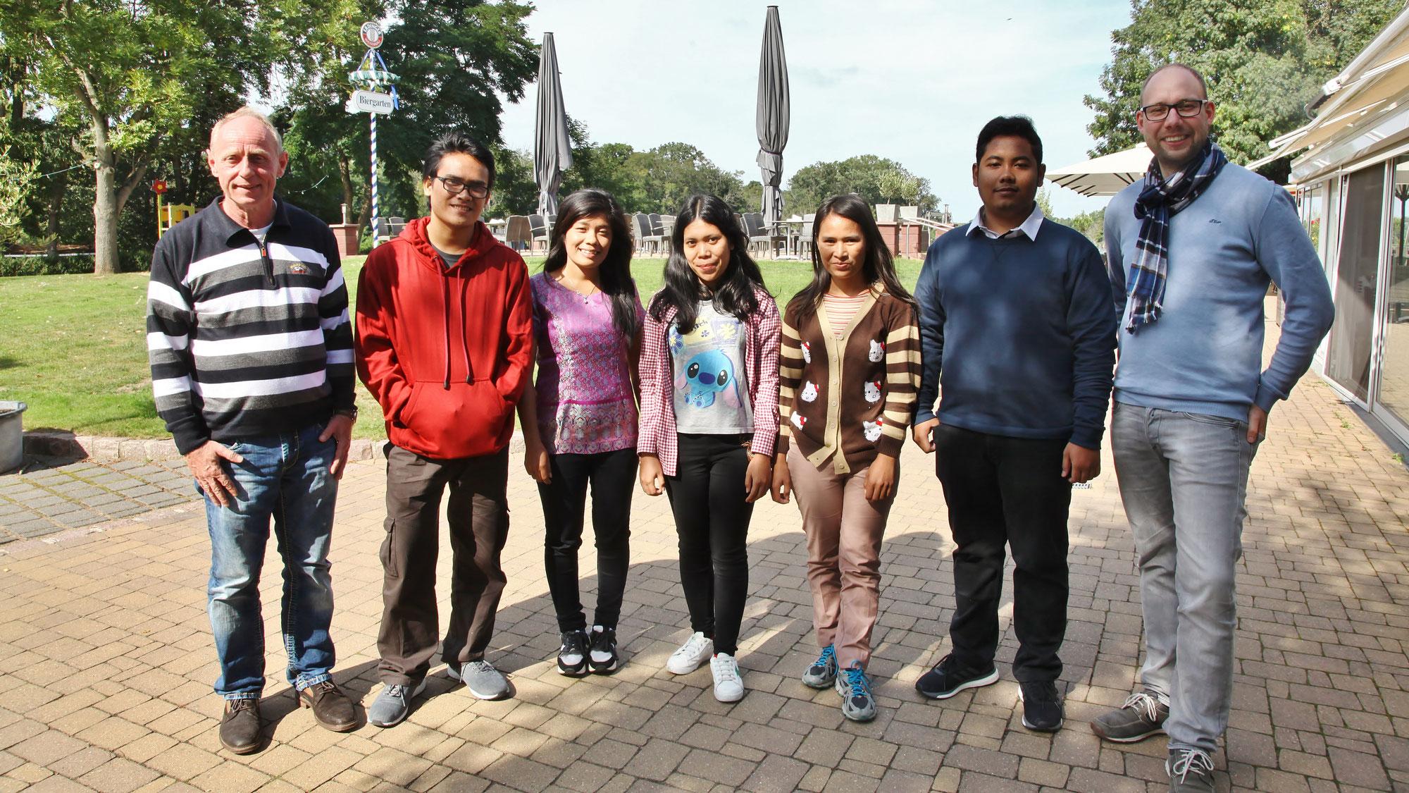 Fünf indonesische Azubis im Acamed Resort Neugattersleben begrüßt