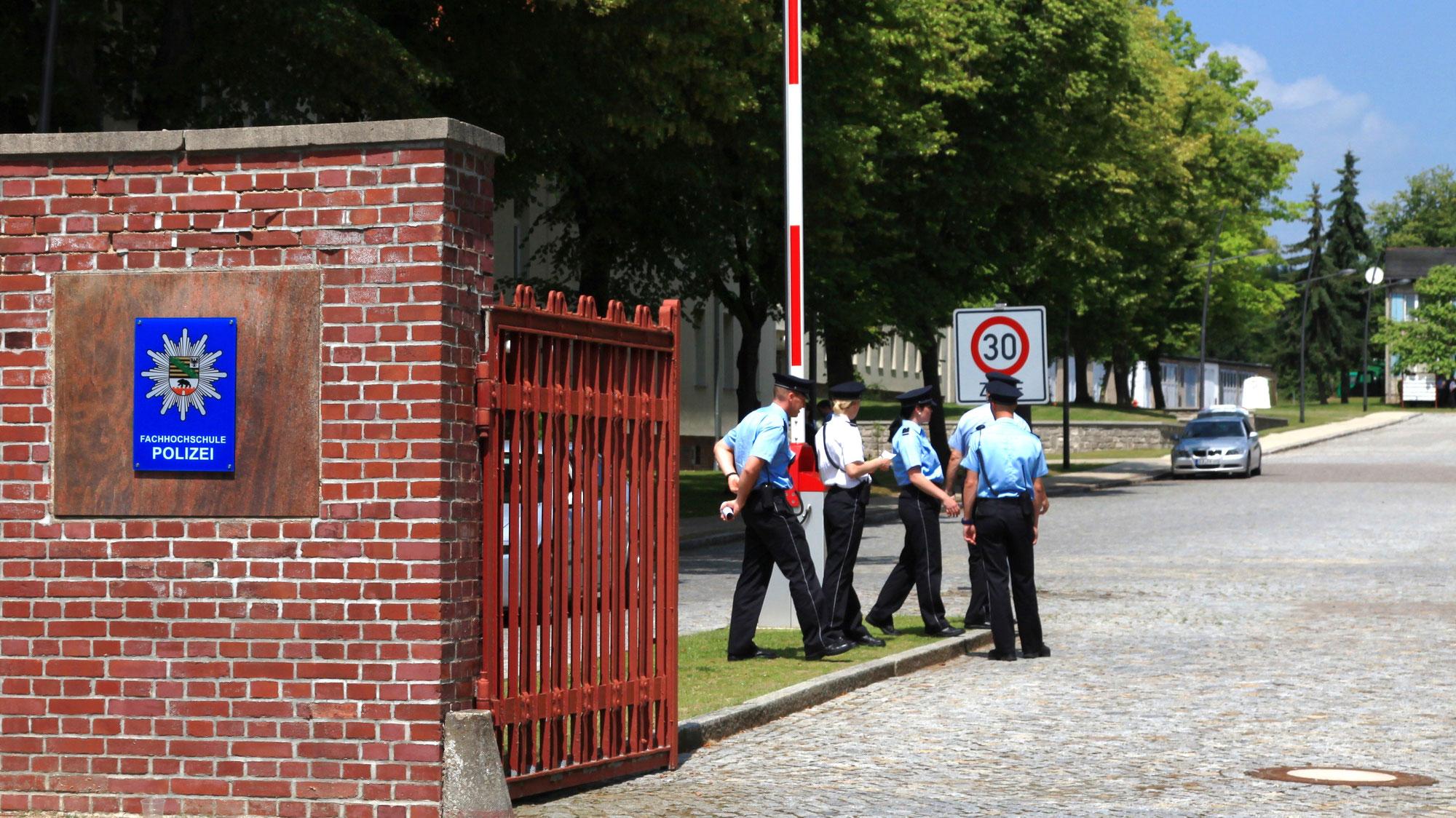 Polizeianwärterinnen und Polizeianwärter ernannt