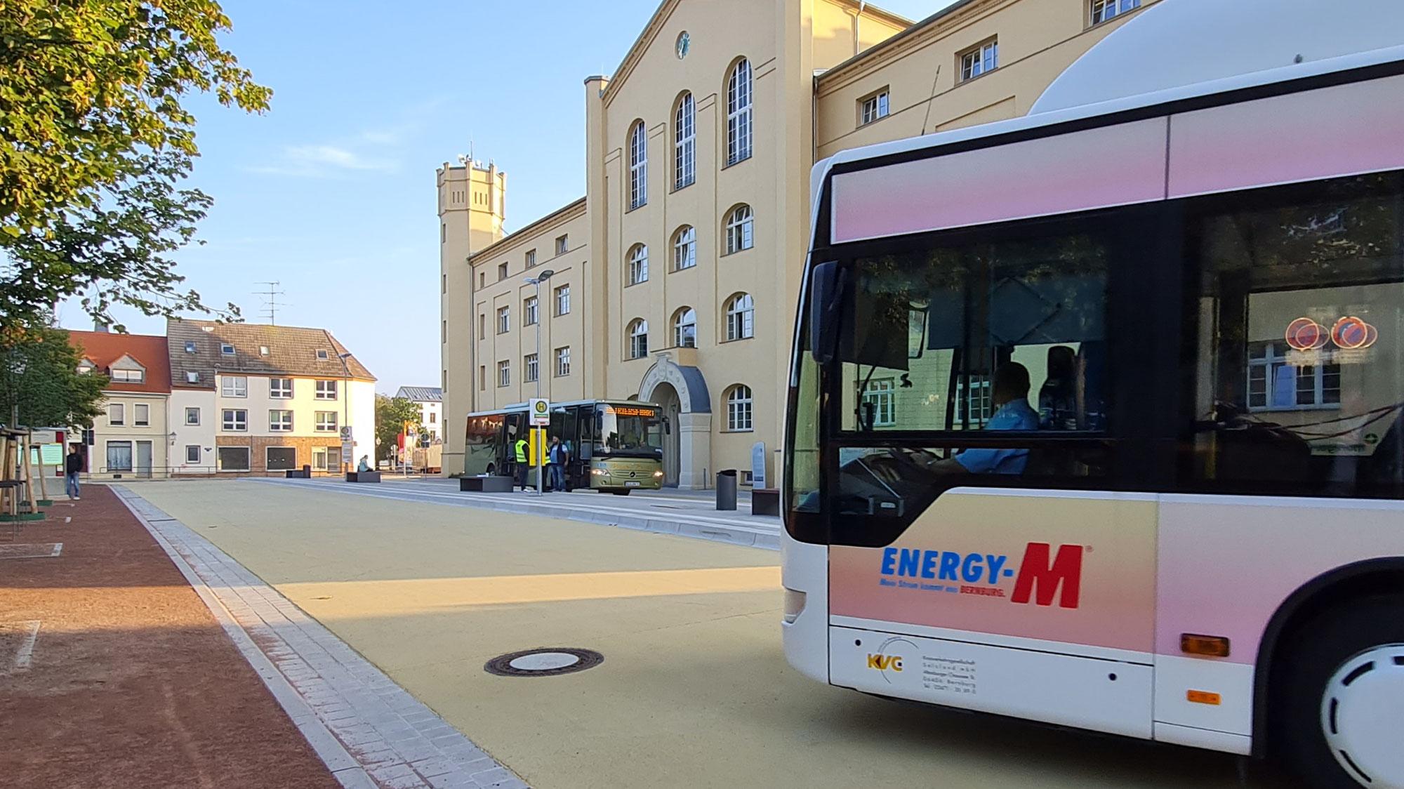 Busse fahren seit heute über Rendezvousbushaltestelle