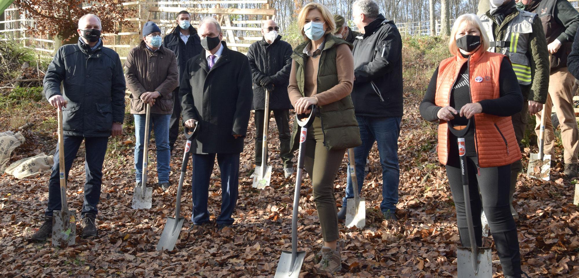 LBS hilft den ostdeutschen Wäldern