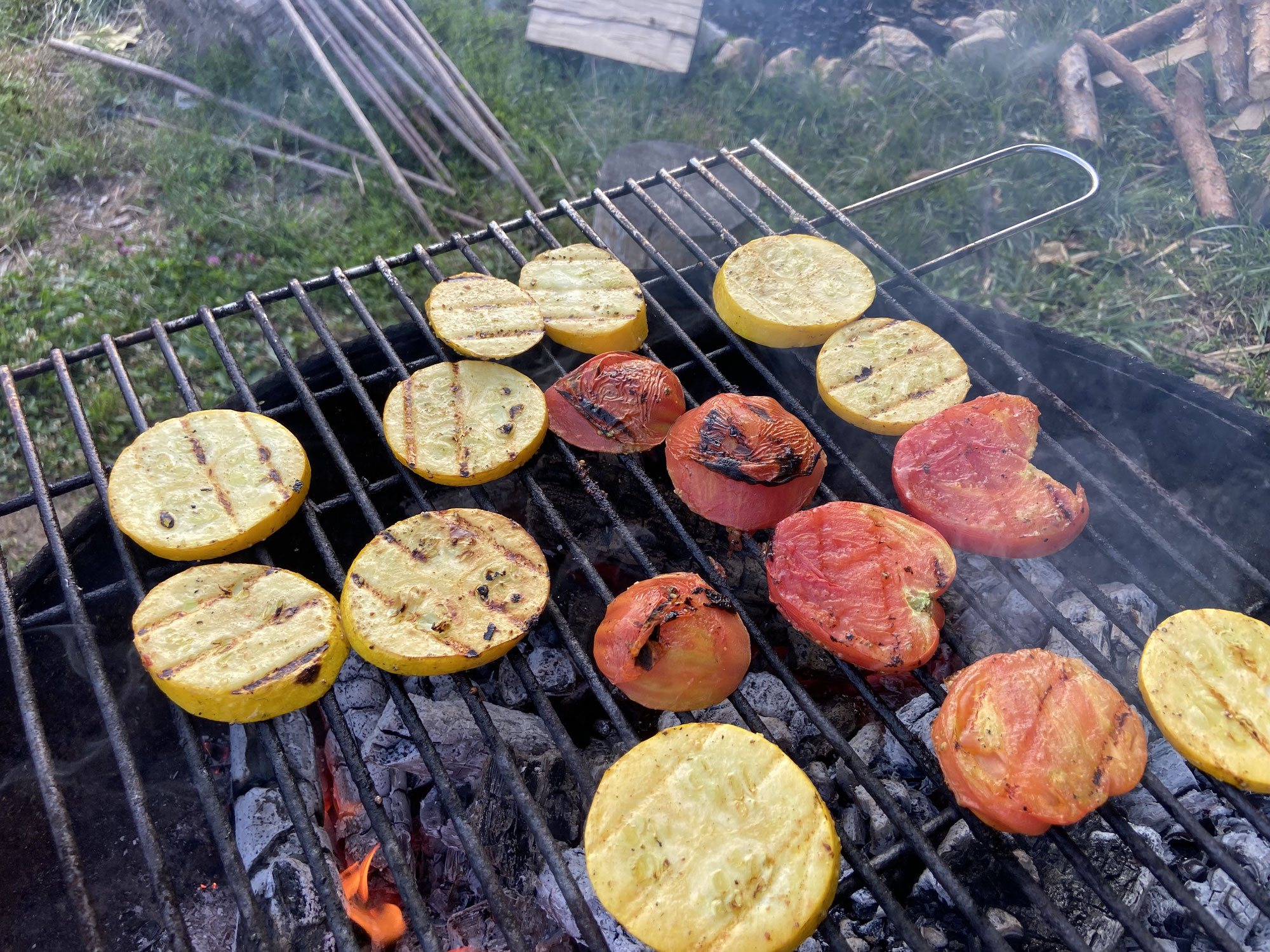 Rote Rübe, Paradeiser, Zucchini vom Grill