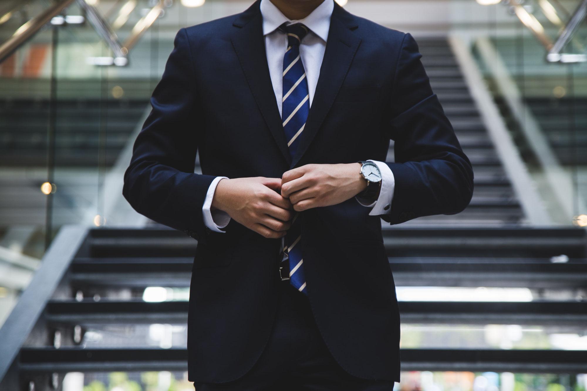 Jobsuchmaschinen oder verdeckter Stellenmarkt – Routenplanung zum neuen Job mit der Karriereberatung München