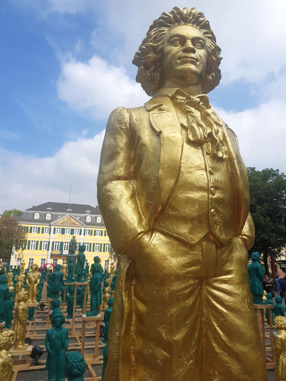 Kurz von Köln zum Besuch in Bonn