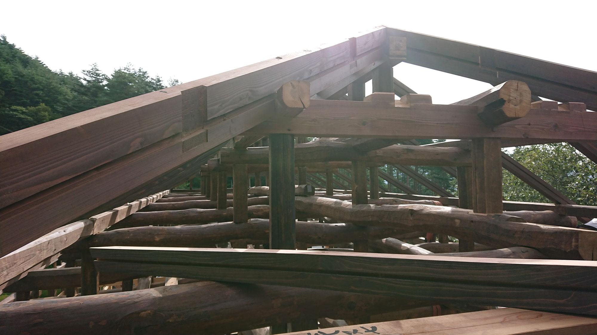 古民家の移築再生工事、上棟しました。