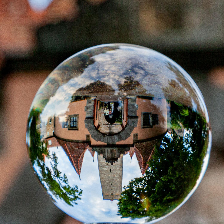 Glaskugelfotografie im Burggarten