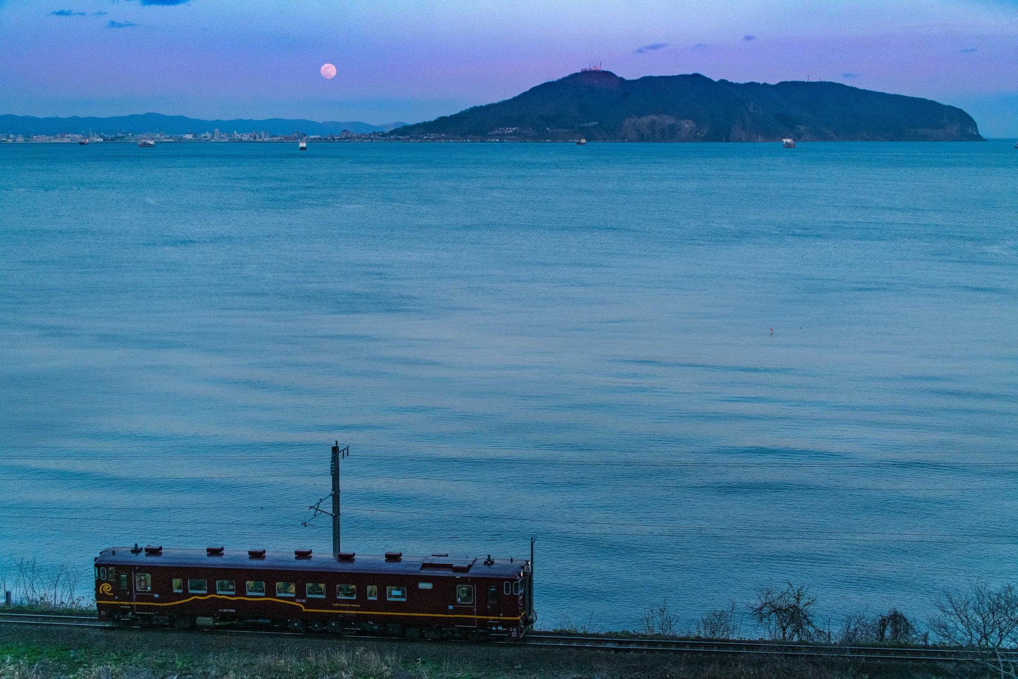北海道で東北に一番近い駅から函館へ【道南いさりび鉄道】