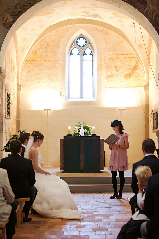 In Weiss vor dem Altar – Die Traufeier  in der Kirche  ist etwas ganz Besonderes