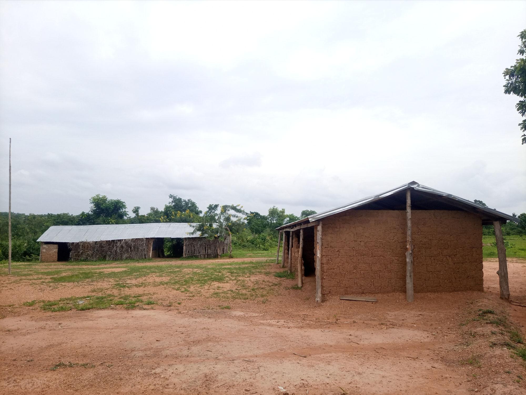 Schulgebäude, Sanitäranlage, Spielplatz und Pumpbrunnen für die Grundschule Tawade (TOGO)