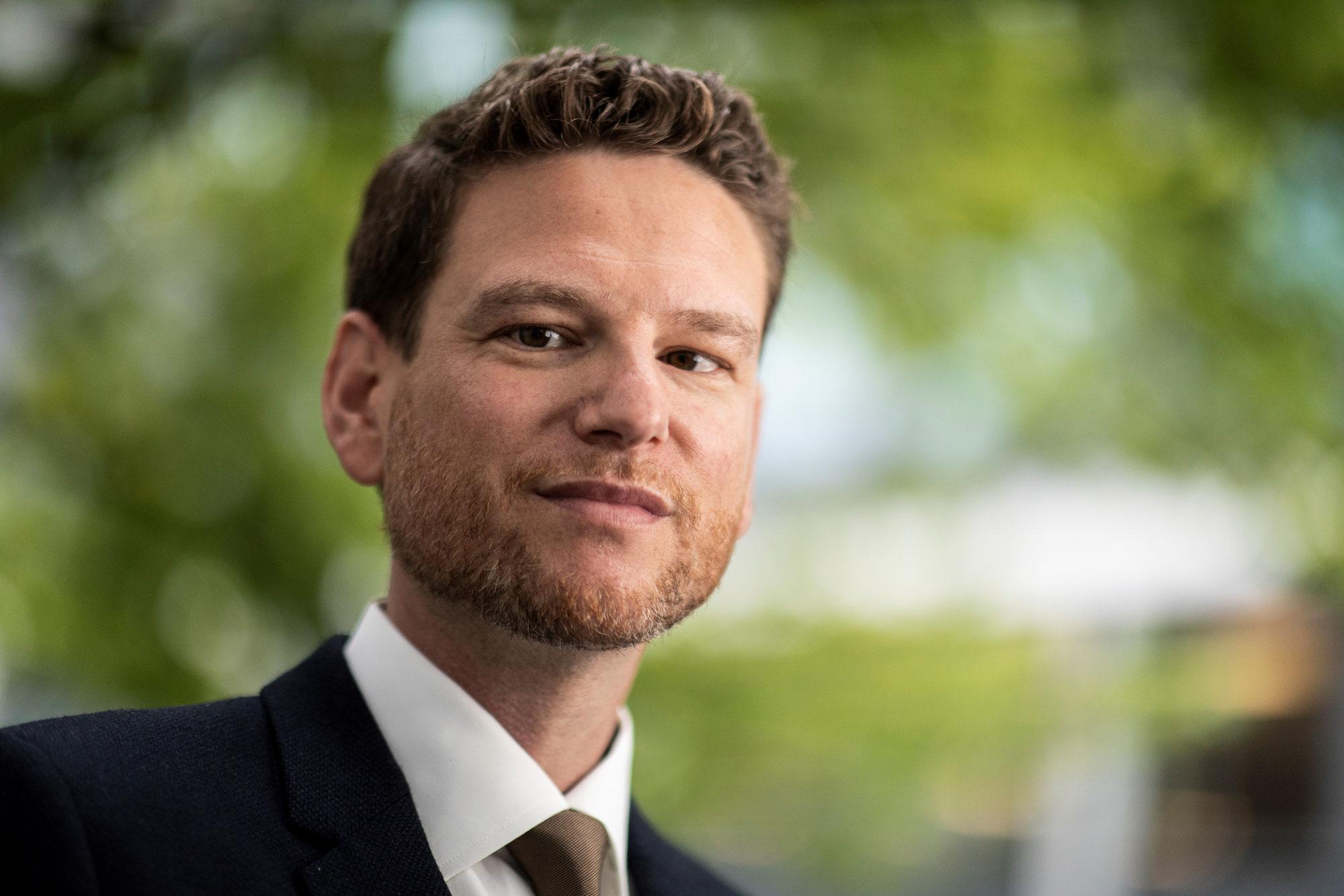 Prof. Dr. Alexander Buhmann lehrt und forscht an der Norwegian Business School in Oslo